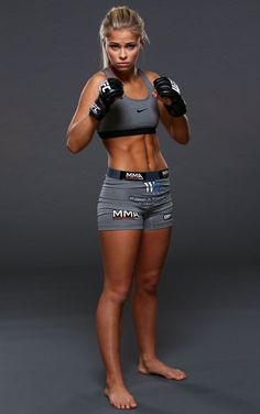 Paige VanZant Women Strawweight and fourth youngest female fighter currently in the UFC. Female Mma Fighters, Ufc Fighters, Female Fighter, Ufc Women, Martial Arts Women, Poses References, Fitness Photography, Jiu Jitsu, Female Athletes