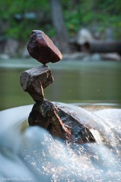 Very cool art project by a American artist Michael Grab. Very cool art project by a American artist Michael Grab. Michael Grab, Stone Balancing, Stone Cairns, Cool Art Projects, Rock Decor, Pebble Art, Stone Art, American Artists, Rock Art