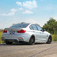 One clean looking Silverstone F80 M3. Give us your thoughts on the HRE FlowForm FF15 wheels we want your feedback. ----------------------------------------------------- #BMW #bmwgram #bmwlove #bmwpics #bmwwheels #bmwperformance #hrewheels #flowform #industrystandard #tarmac #ff15 #bmwwheels #m3 #mpower #bmwperformance by turnermotorsport