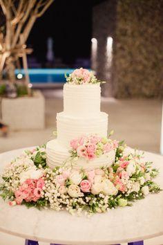 Gorgeous cake: http://www.stylemepretty.com/little-black-book-blog/2015/04/23/romantic-thailand-destination-wedding/   Photography: Sandra Aberg - http://www.sandraaberg.com/