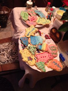 Cute Christmas cookie idea! How original! I could never do this! This would take so much talent!