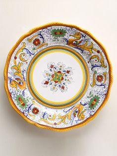 Italian Plate  The Raffaellesco pattern, named for the artist Raphael, has been popular since the 1600s.