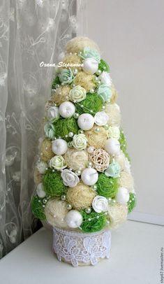 Купить Елочка из сизаля с мятными розочками - зеленый, сизаль, сизалевое волокно, ротанговые шарики