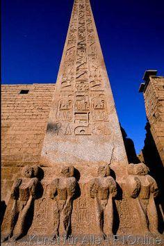 Luxor, Egypt Egyptian Drawings, Egyptian Art, Ancient Ruins, Ancient History, Ancient Egyptian Architecture, Death On The Nile, Luxor Temple, Desert Design, Old Egypt