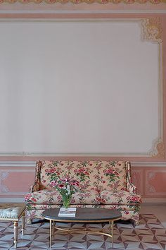 With the help of legendary French interiordesigner Jacques Grange, Francis Ford Coppola has transformed a palazzo in his family's Italian hometown into a grand hotel with the romance and sophistication of the Belle Époque. Decor, South Shore Decorating, Pink Room, Interior, Home Decor, Inspiration, Hotel Style, Modern Style Decor, Painted Paneling
