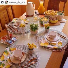As mesas da Ana @mesas_da_ana são tão aconchegantes, tão gostosas, que dá muita vontade de se sentar, ficar, ficar e ficar... Olha que…