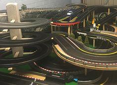 Scalextric Slot Track Loop the loop Slot Car Racing Sets, Slot Car Race Track, Slot Car Tracks, Slot Cars, City Model, Childhood Toys, Carrera, F1, Lego