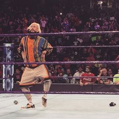 wwe @real1 has just made his presence felt on #205Live!  2017/08/23 12:01:11