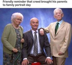 Friendly reminder that creed brought his parents to family portrait day - iFunny :) Best Of The Office, The Office Show, Dundee, Best Tv Shows, Best Shows Ever, Office Fan, Creed The Office, Movies Showing, Movies And Tv Shows