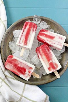 This morning I shot these popsicles in bad lighting and in a crazy rush to get out of the kitchen before the crew came. I'm still in the middle of a kitchen nightmare remodel after the husband bought a washing machine that doesn't fit in the spot it's supposed to and we can't return it. …