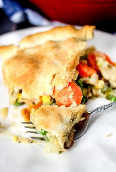 30 Minute Loaded Vegetable Pot Pie comes together super quickly and is majorly delicious! Packed full of healthy veggies, it's sure to comfort you this winter! Pork Recipes For Dinner, Mexican Dinner Recipes, Vegetarian Recipes Dinner, Chicken Recipes, Seafood Pot Pie, Seafood Dinner, Good Food, Yummy Food, Yummy Recipes