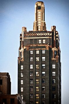 Carbide  Carbon Building (1929), Art Deco skyscraper by Daniel and Hubert Burnham - Chicago,
