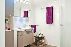 IDOn kylpyhuonekaapistoja on saatavana useissa eri väreissä. #bathroom #bathroomdesign #interiordesign #homespa #scandinaviandesign #bathroomideas #bathroomsink #interiordecoration #toilet #sink #finnishdesign #bathroominspiration #ceramics  #bathroomidea #tap #washbasin #fauset #sanitary #porcelain #interiorideas #shower #showerhead #toiletseat #exhibition #modern #mirror