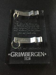 Acción para Grimbergen, cerveza de abadía. Grabado para personalización en vivo de abridores de aluminio.