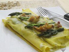 LASAGNETTE AL PREZZEMOLO CON ASTICE E BESCIAMELLA AGLI ASPARAGI   http://www.cosasimangia.net/lasagnette-al-prezzemolo-con-astice-e-besciamella-agli-asparagi/