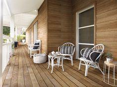 Optez pour la couleur blanche avec votre terrasse pour un effet campagne chic !
