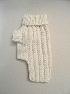 Cable Dog Sweater - Chihuahua Clothes - Pet clothing - Small Dog by BubaDog - croche tricot - Collares para Perros Dog Sweater Pattern, Crochet Dog Sweater, Dog Pattern, Chihuahua Clothes, Pet Clothes, Dog Clothing, Cat Sweaters, Hand Knitted Sweaters, Italian Greyhound Clothes