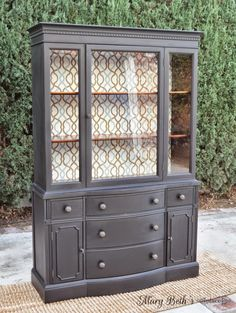 Home decor ideas Most Beautiful Antique China Cabinet Makeover Ideas – BosiDOLOT Warmboard Vers Milk Paint Furniture, Refurbished Furniture, Furniture Projects, Furniture Makeover, Vintage Furniture, Painted Furniture, Diy Furniture, Rustic Furniture, Outdoor Furniture