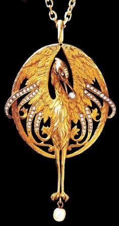 Art Nouveau necklace set with diamonds and a pearl drop by Luis Masriera.