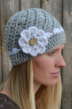 swirl crochet beanie with contrasting color and by Twistyourtop