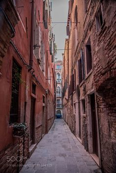 Gasse in Venedig... by JuergenGatte #architecture #building #architexture #city #buildings #skyscraper #urban #design #minimal #cities #town #street #art #arts #architecturelovers #abstract #photooftheday #amazing #picoftheday
