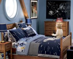 Set your little boy up with the ultimate Star Wars theme room