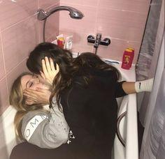 Cute Lesbian Couples, Cute Couples Goals, Couple Goals, Emo Couples, Gay Aesthetic, Couple Aesthetic, Aesthetic Grunge, Mode Instagram, Want A Girlfriend