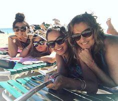 「 AROHA BEACHES.  #YASSS #koabeachservice #hawaii #SAF #baebaes #believeinyourselfie #selfiestick 」