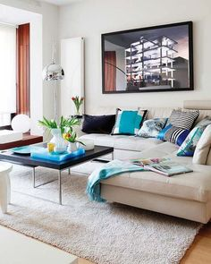 Choosing the Right Furniture for Your Home's Style Living Roon, Living Room Decor, Living Spaces, Living Room Turquoise, Sala Grande, Lounge Areas, Living Room Inspiration, Home Textile, Living Room Designs