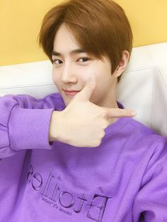 """SUHO] 1 Day 1 Suho 180918 EXO-L App update with Suho Rough trans: """"It was a short but fun performance in Germany. I want to see EXO-L soon."""