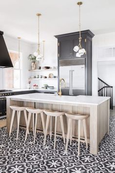 BECKI OWENS- 10 Inspiring Non-White Kitchens