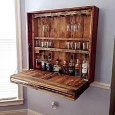 Use Pallet Wood Projects to Create Unique Home Decor Items – Hobby Is My Life Pallet Wall Decor, Pallet Walls, Pallet Storage, Pallet Shelves, Pallet Ideas Easy, Diy Pallet Projects, Bar Furniture, Furniture Projects, Furniture Outlet