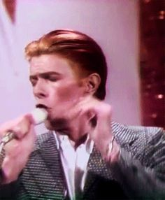 onlydavidbowie... - tumble-and-twirl: David Bowie appears to perform...