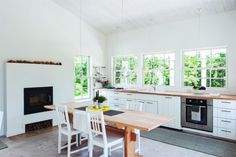 Architect-Sheila-Narusawa's-kitchen-Cape-Cod-Matthew-Williams-photo-for-Remodelista-1 1
