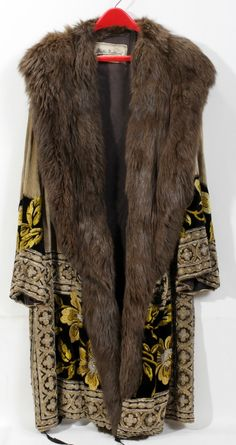 MARTHA WEATHERED (CHICAGO) EMBROIDERED COAT WITH FUR COLLAR, C. 1930'S