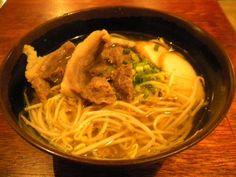 「焼肉と沖縄家庭料理 うるま」の石垣牛肉そば
