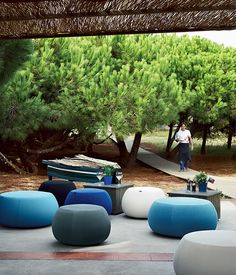 Pouf rembourré PIX By arper design Ichiro Iwasaki Soft Seating, Lounge Seating, Outdoor Seating, Outdoor Spaces, Outdoor Pouf, Outdoor Fabric, Outdoor Decor, Cabana, Pouf Rembourré
