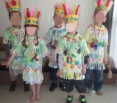 Here is our little tribe of Indians and squow, aren't they too cute ! Crafts For Boys, Toddler Crafts, Preschool Crafts, Thanksgiving Placemats, Thanksgiving Crafts, Indian Costumes, Diy Costumes, Indiana, Wild West Party