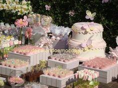 Lindo, Lindo e lindo! http://decorandoemocoes.blogspot.com.br/2010/10/aniversario-de-1-ano-da-julia-decorando.html