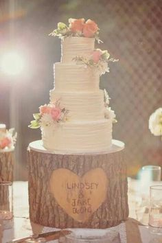 Daylin Hall saved to #readysetRidleyI think this is what i want cake wise! Romantic, delicate, not over the top... #wedding #weddingideas