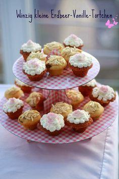 Winzig kleine Erdbeer-Vanille-Törtchen - Kochliebe