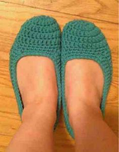 The Hippy Hooker: Made myself some slippers... Finally!!