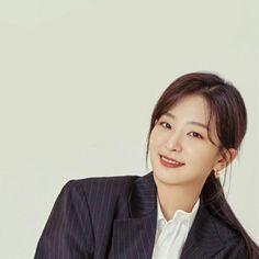 Kang Seulgi, Red Velvet Seulgi, Thing 1, Yellow Fashion, Korean Model, Girl Crushes, Favorite Person, Make Me Smile, Red Roses