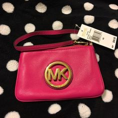 "☘JUST IN☘NWT Michael Kors Fulton wristlets Pretty Raspberry ☘JUST IN☘NWT Michael Kors Fulton wristlet. Measures 7"" x4.5"". Michael Kors Bags Clutches & Wristlets"
