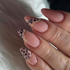 simple spring nail designs for short nails and long nails 8 Classy Nails, Stylish Nails, Fancy Nails, Love Nails, Diy Nails, Manicure, Simple Nails, Glitter Nails, Perfect Nails