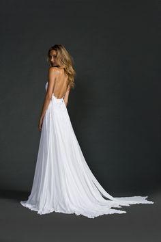 robe de mariée dos nu, coupe fluide en satin, à bretelles spaghetti