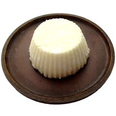 Decadent Milk Bath Bomb - get the recipe from BeautyCraft, the iPhone app for natural beauty