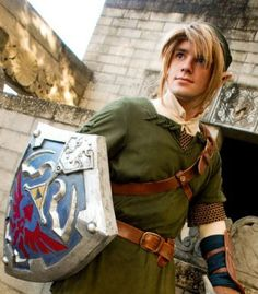 Another Zelda Cosplay. LOVE the hair