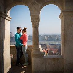 LOVE SHOOT | BUDAPEST Moment Design is...feeling like Romeo & Julia. . . . . . #MomentDesign #48capitalsofeurope #engagementsession #loveshoot #ig_europe #ig_photooftheday #ig_love #ig_lovespeople #fishermansbastion #hongary #girlfriend #boyfriend #pictureoftheday #ig_photooftheday #laughter #session #balcony #castle http://ift.tt/2n1Tm0F #fotograaf #utrecht #beloved www.heleenklop.nl
