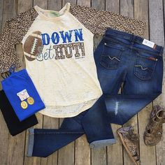 """#NEWARRIVALS #DownSetHut #LeopardSleeve #Top $28.99 S-XL #7forallmankind #Josefina #Distressed $209.99 26-32 #BedStu #Claire #Sandals $116.99 6, 6.5, 8.5, 11 #PinkPanache #Earrings $39.99 #Cami $9.99 We #ship! Call to order! 903.322.4316 #shopdcs #instashop #shoplocal #love #footballseason #football"" Photo taken by @daviscountrystore on Instagram, pinned via the InstaPin iOS App! http://www.instapinapp.com (09/09/2015)"
